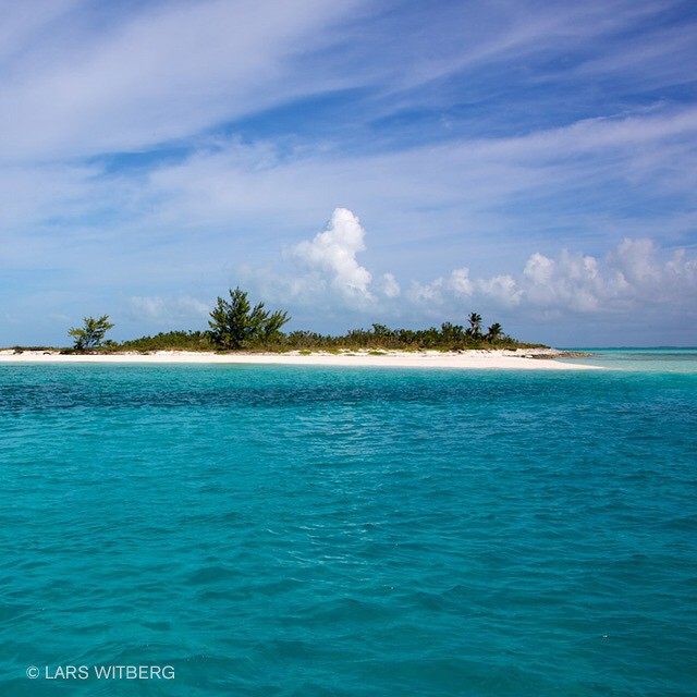 Spent a few hours on this tiny island between diving. Paradise! Exumas.  #WowCanonViewBug #Travler_stories #TravelAwesome #traveltv #travel #photo #photography #underwater #ocean #diving #traveltv #photo #underwater #ocean #travel #adventure #diving #canon_photos #photooftheday #AnmlLife #paradise #island #tropic